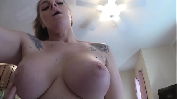 Big Tit Step-Mom Helps Me With My Poison Ivy Thumb