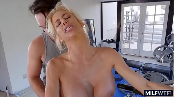 Alexis Fawx fitness cougar