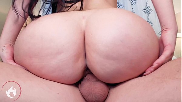 Big booty Milf Brooke Beretta gets smashed by L...