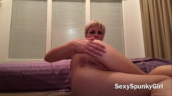 Short Haired Blonde Teen Dirty Talk Solo Mastur...