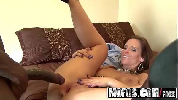 Milf (Syren Demer) wants some big black cock - MOFOS Thumb