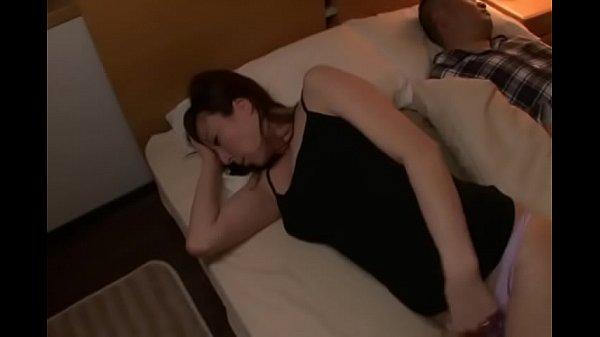 323หนังโป๊เต็มเรื่องแนวแม่บ้านสาวใหญ่xxxโดนวางยานอนหลับแล้วจับเย็ดอย่างเสียวเลย