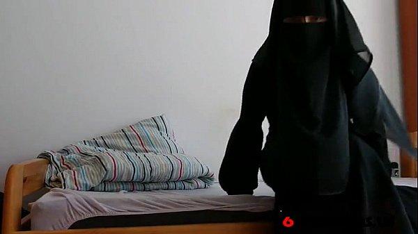 Arab Niqab Solo- Free Amateur Porn Video b4 - 69HDCAMS.US ...