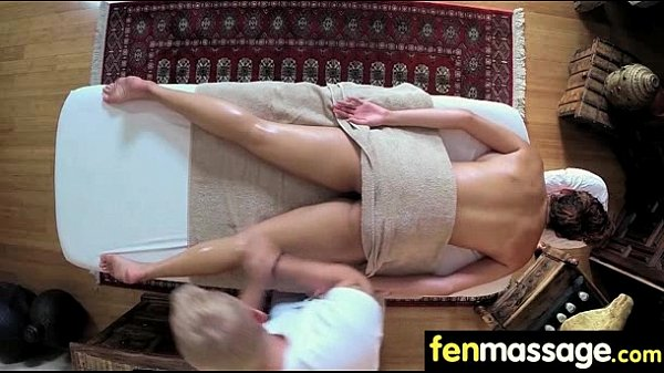 Sexy Masseuse Helps with Happy Ending 10 Thumb