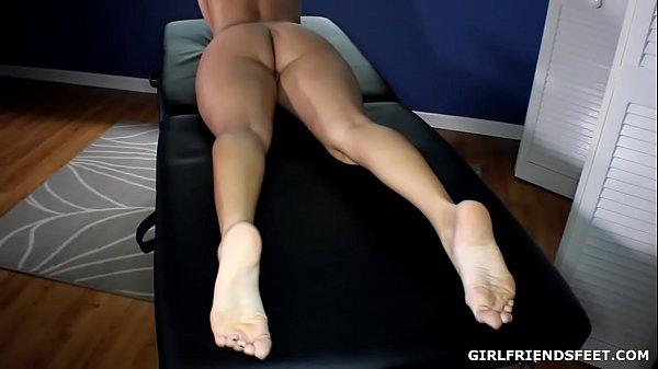Nikki Brooks Bare Feet Thumb