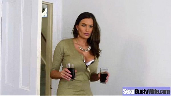 Sex Action With Big Round Boobs Housewife (sensual jane) video-28 Thumb