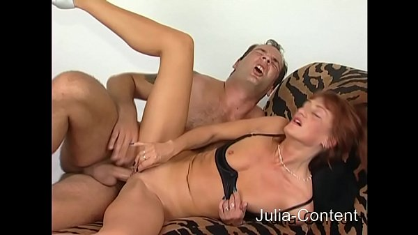 Violent fuck on the sexcouch