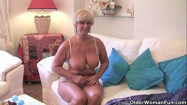 Chubby grandma with big old tits fucks a vibrator Thumb