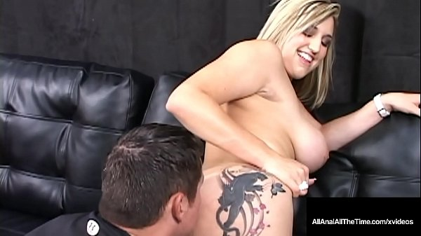 Tongue Fucked Dayna Vendetta Spreads Butthole For Rimming!