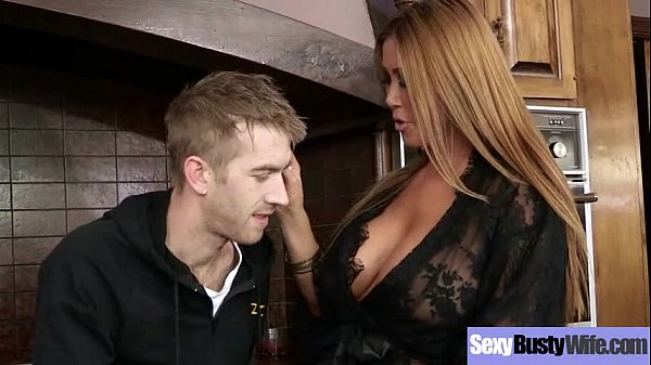 (kianna dior) Hot Sluty Mommy With Big Melon Ti...