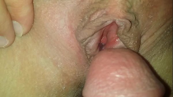 Shooting sperm into wifes open pussy