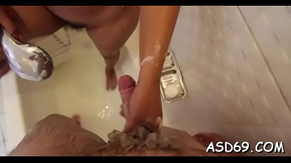 Asian honey gets pussy caressed Thumb