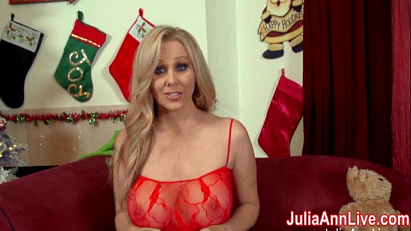 Busty Milf Julia Ann Sucks Off Santa! Thumb