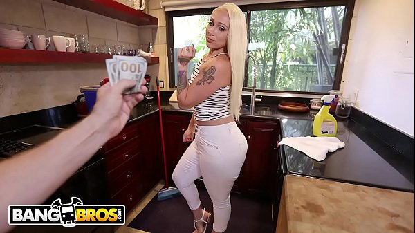BANGBROS - Big Ass Maid Alexis Andrews Cleans House and Fucks Tony Rubino