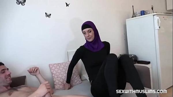 Real Horny Muslim Sex Tape, Met Online