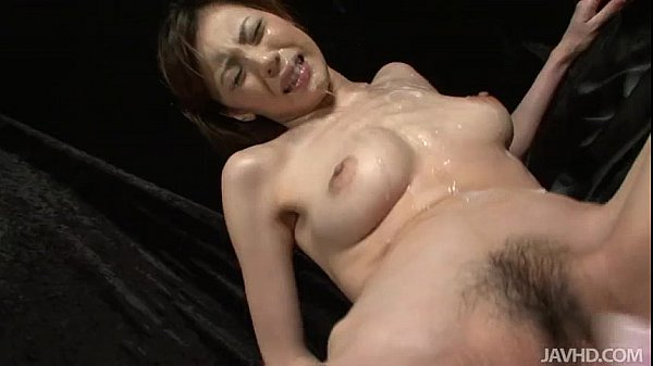 Slutty Natsumi lies down spreads her legs and i...