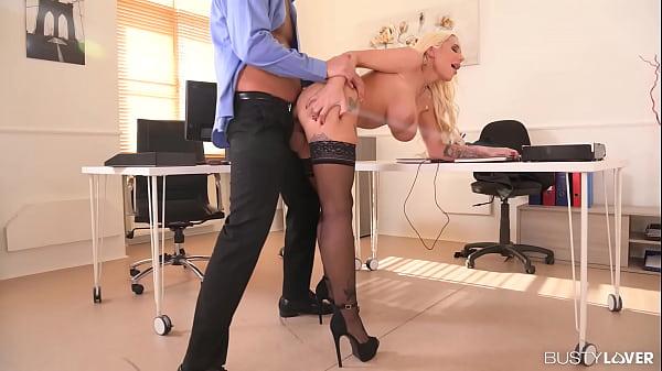 Megamammoried Blonde Kyra Hot Gets Deep Dicking...