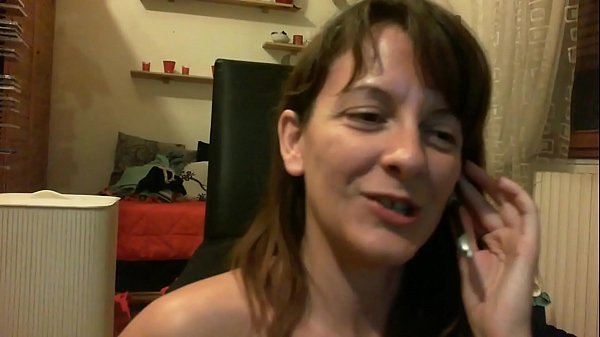 Your little sister open her ass near you nose do you want to put your tongue inside? Thumb