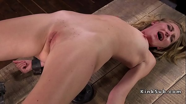 Blonde got tits and cunt tortured Thumb
