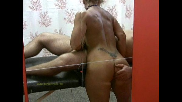 Masseuse uses her skills to satisfy naked clien...