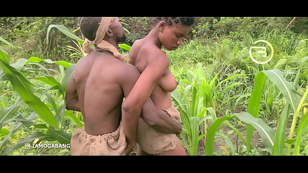 Amaka the village slut visited Okoro in the farm for quick blow job