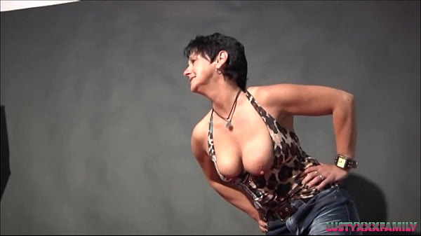Nasty milf taking naked pix and after that fuck her step son who is photographer Thumb