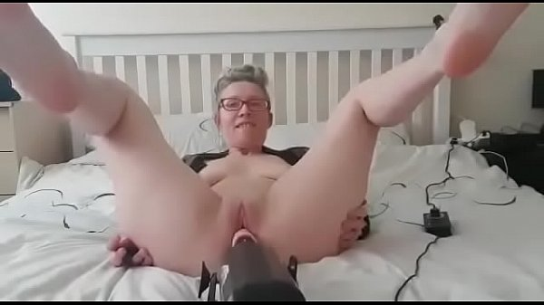 hanysy husband at work and I needed a dick sex machine