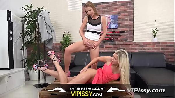 Vipissy - Lola Alexis - Lesbian Piss