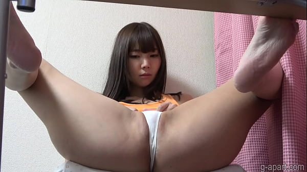 Miu Akemi Downblouse and Cameltoe