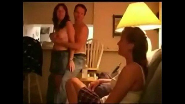 Két amatőr házaspár szexelt párcserésen