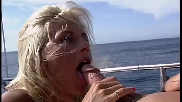 The Baywatch girls have fun after work and will get fucked - watch out boys