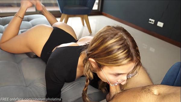 Cute Girl DEEPTHROATS big dick and receives a b...