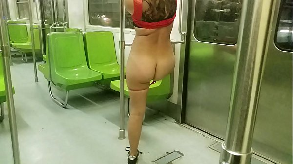 exhibiting myself in the public transport subway of Mexico City showing my ass and taking off my thong (FULL VIDEO IN JUSTFOR.FANS/FOXYHOT