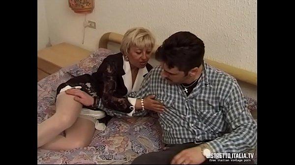 Porno gruppo di ragazzi cazzo italiano ragazza Vecchia