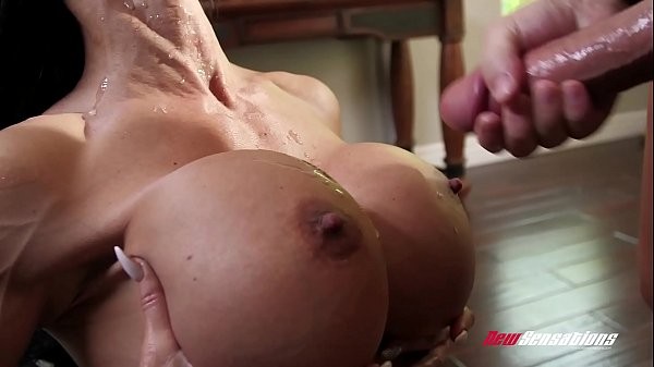 Stepmom Jewels Jade Fucking Her Hung Stepson Thumb