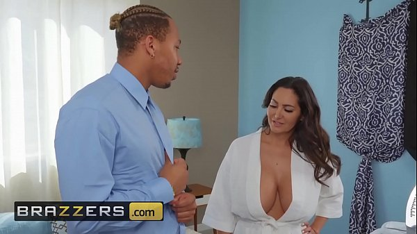 Mommy Got Boobs - (Ava Addams, Ricky Johnson) -...