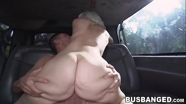 Bootylicious cutie Rharri Rhound rides dick in ...