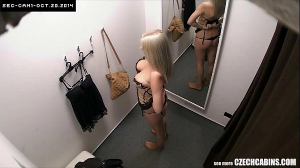 Amateur Czech Blonde Spied in Changing Room Thumb