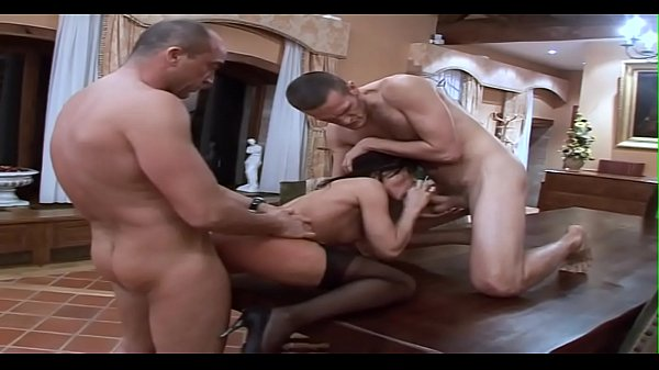 Anal submission, Cécilia Vega gets dilated anus