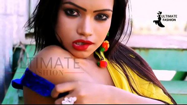 Hot slender babe in saree n western