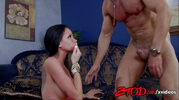 raven-bay-pays-her-debts-with-pussy-720p-tube-x...