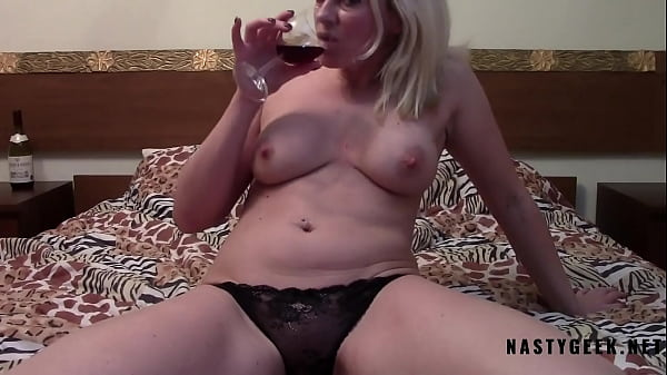 Horny drunk milf make solo and squirt in cam