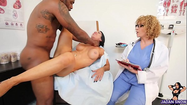 Jadan Snow Gets Her Pussy Fingered By Dr. Sara Jay Before Rome Major Deep Strokes His Huge Cock in Her Thumb