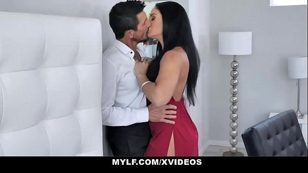 Big Ass Milf (Sheena Ryder) Gets Fast And Rough Pounding