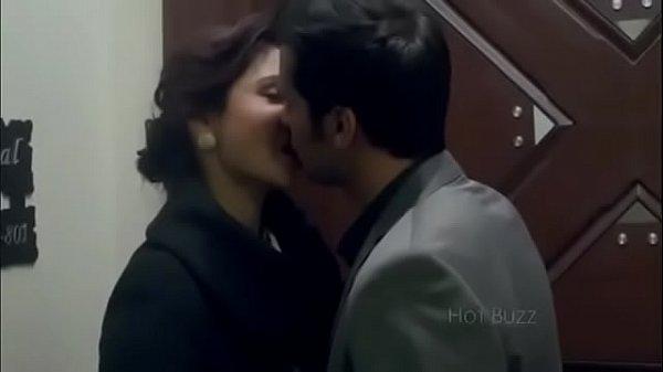 anushka sharma hot kissing scenes from movies