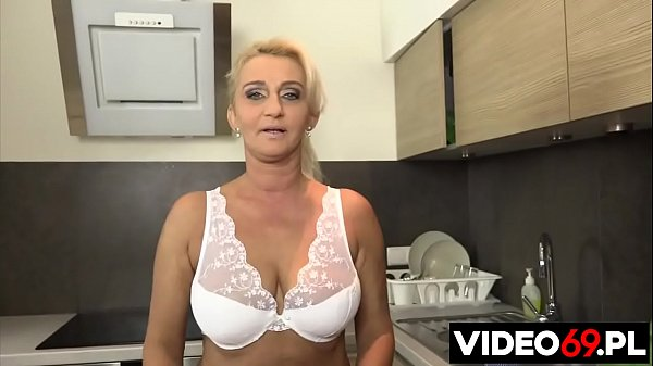Polish porn - Amazing step mom in the kitchen