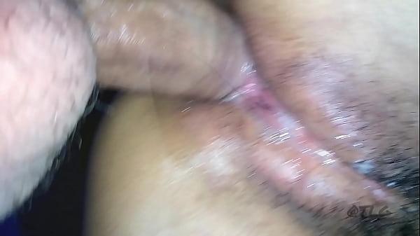 Intenso orgasmo anal com a casada metedeira amadora   safada tesuda