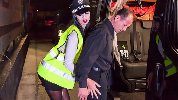 VIP SEX VAULT - Halloween fuck with British babe Jasmine Jae dressed as police woman
