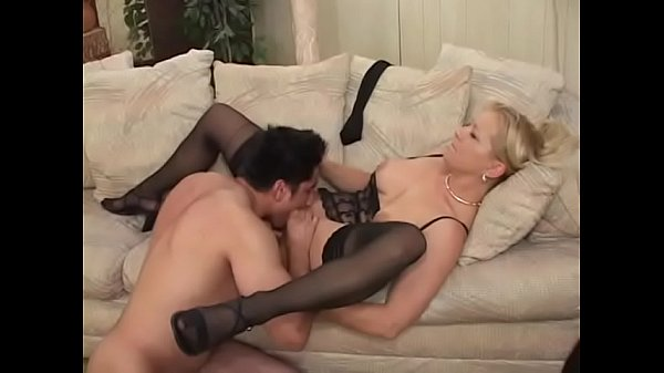 Mature blonde Ami Charms in stockings gets her pussy boned by a y. man Thumb