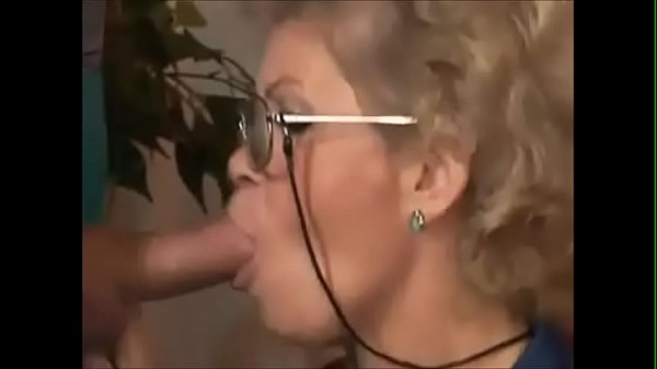 GILF ASS-FUCKED BY TV REPAIRMAN Thumb